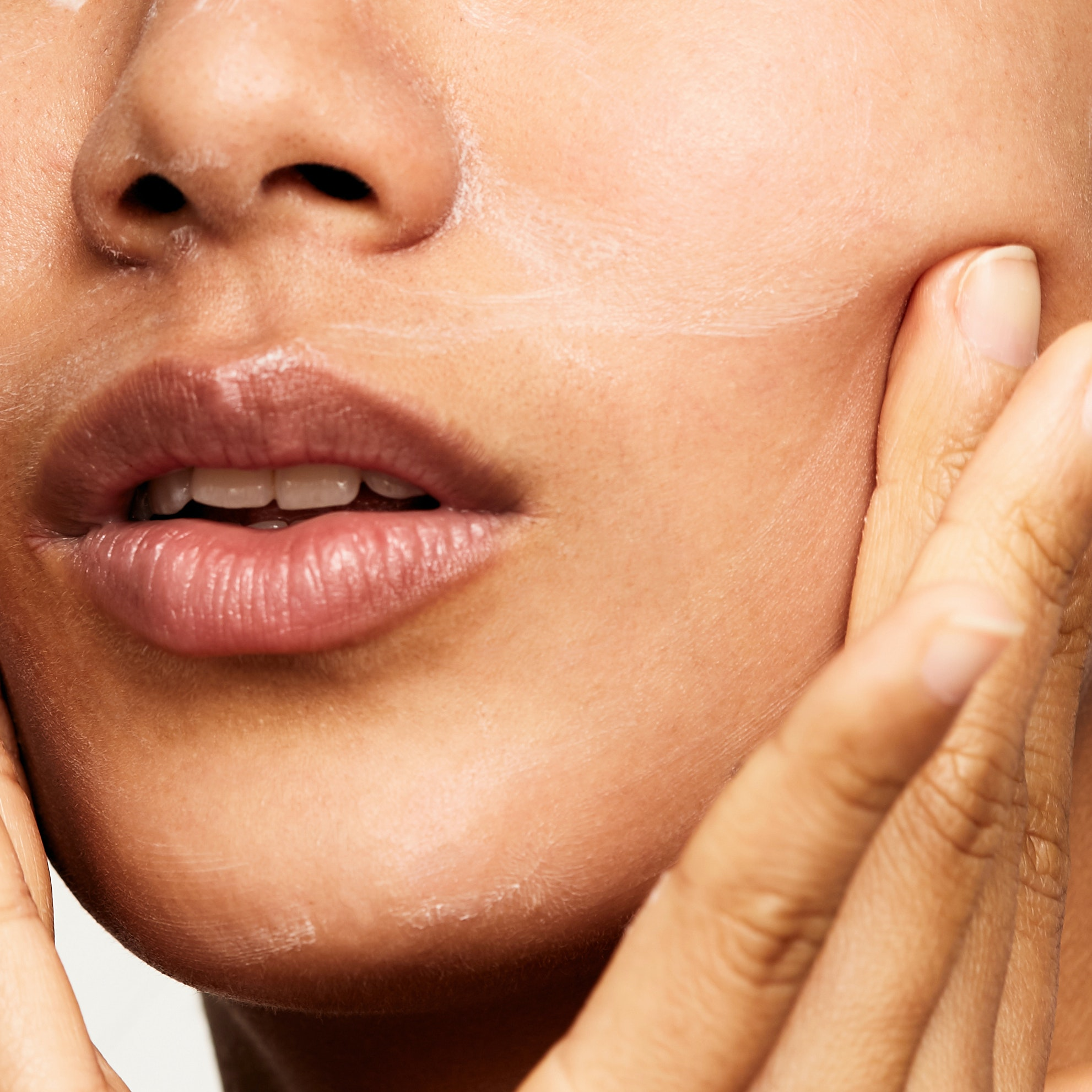If You're Not Already Using Retinol, You're Probably Missing Out on Its Anti-Aging Benefits