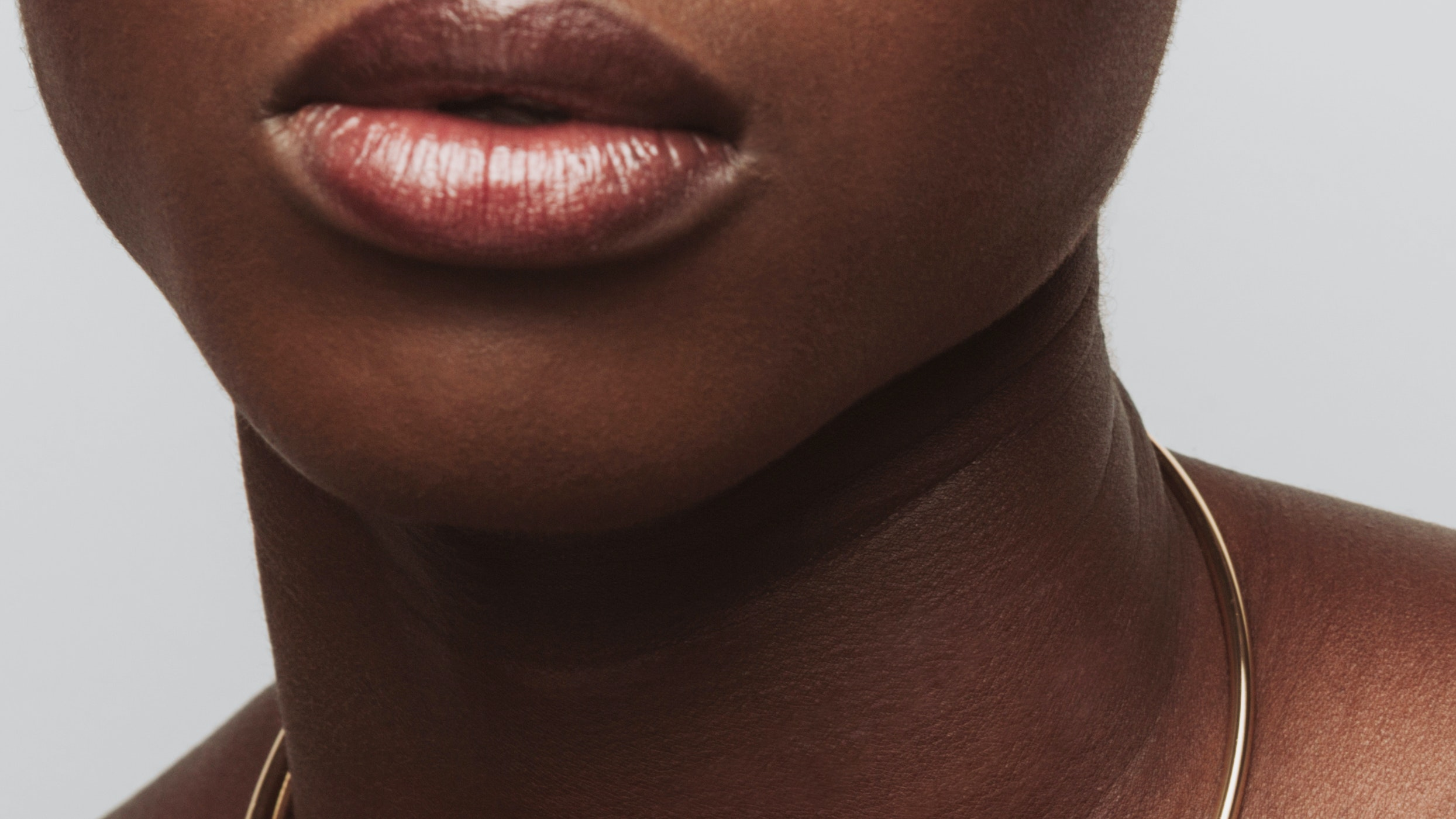 You Can Now Microneedle Your Lips at Home — But is it Safe?