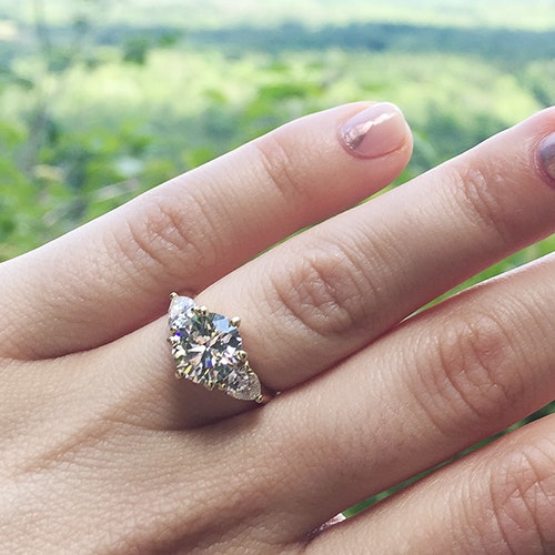 3 Ways to Get Gorgeous Hands For Your Engagement Ring Selfie, According to a Plastic Surgeon