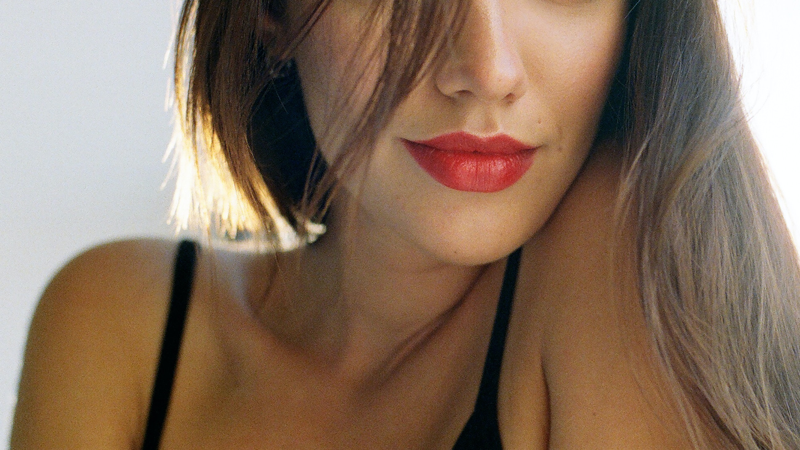 Smoking, Sun Damage, and More Reasons Your Lips Might Look Deflated