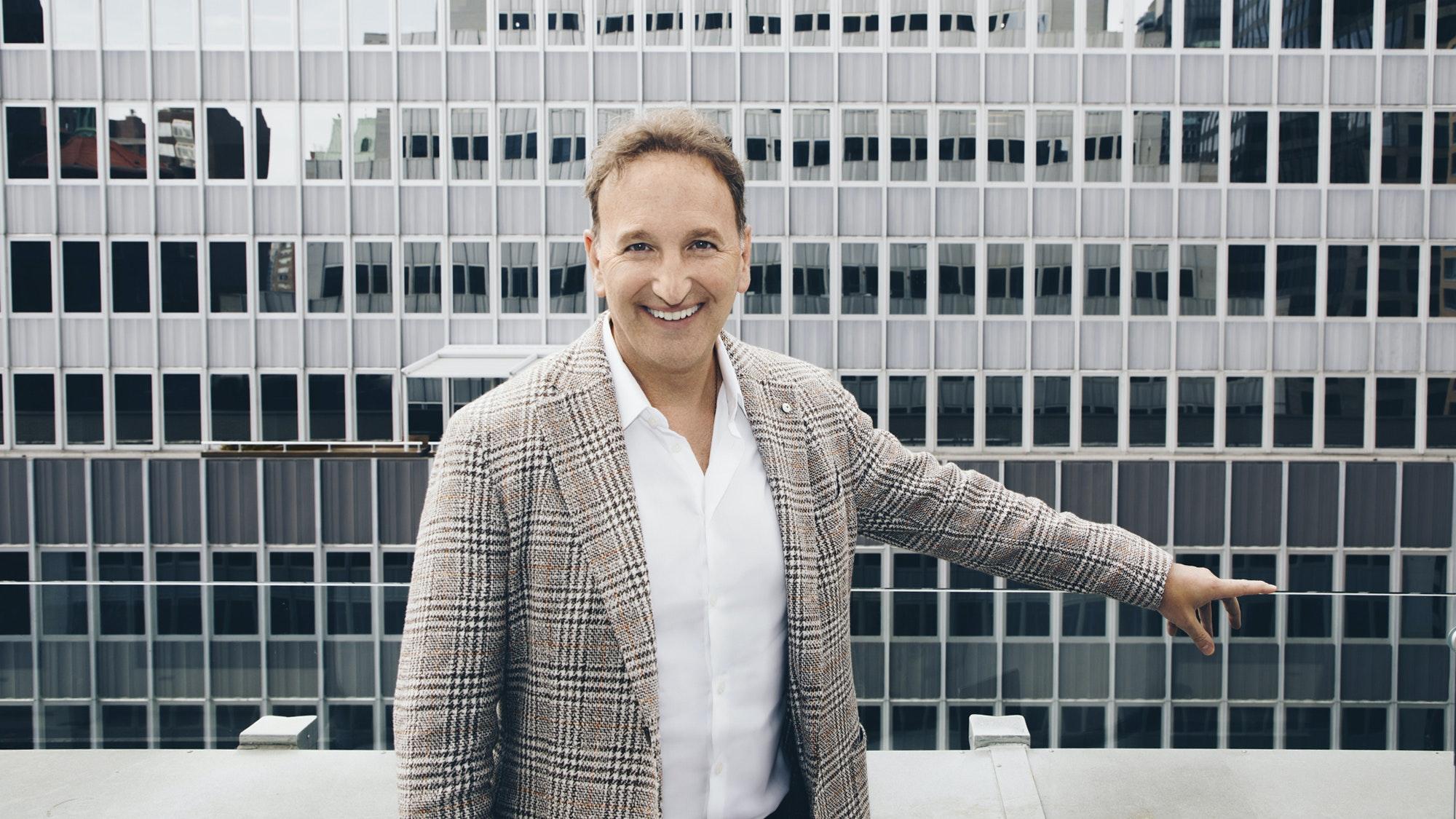 Dr. Steven Dayan smiling