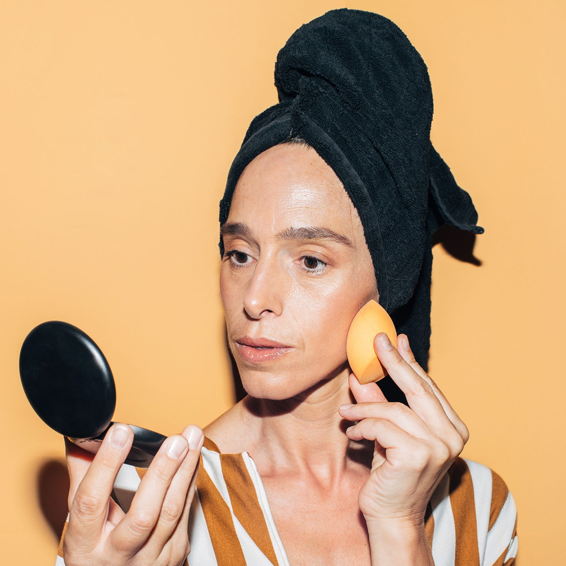 The 6 Best Foundations for Aging Skin, According to a Professional Makeup Artist
