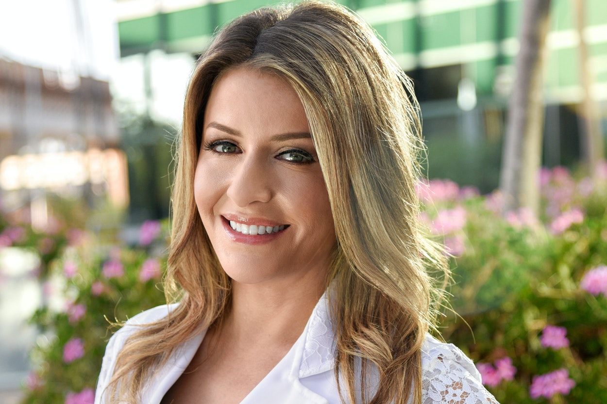 Why You Should Be Using a Chemical-Based Exfoliant, and More Tips From Derm Dr. Sabrina Guillen Fabi