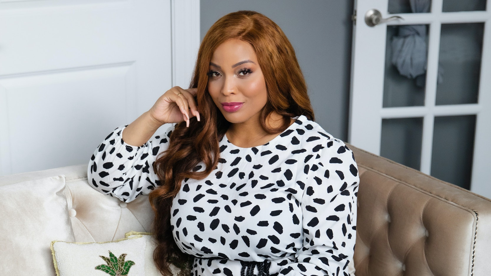 Chicago TV Star Charmaine Johnise Talks Natural Hair, Injectable Filler, and Why Olive Oil Rocks