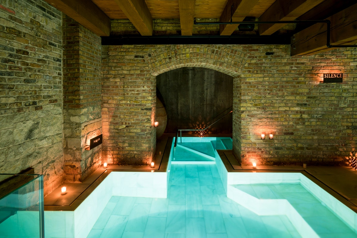Whether You're a Visitor or a Resident, You Need to Relax at 1 of These Luxe Chicago Spas