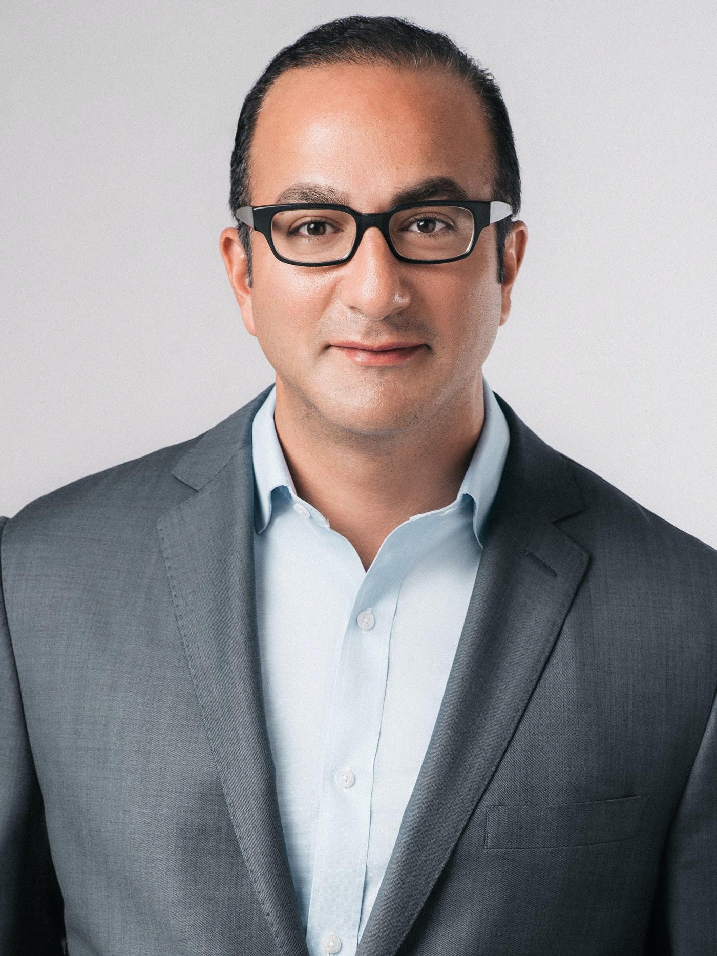 Dr. Arash Akhavan