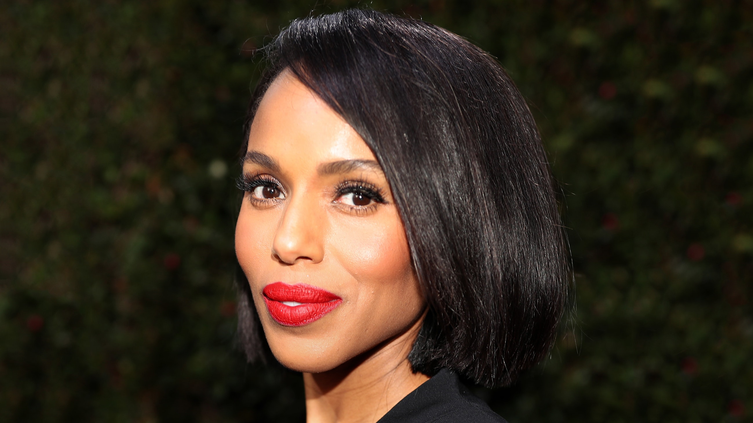 Kerry Washington Golden Globes 2020 hair and makeup