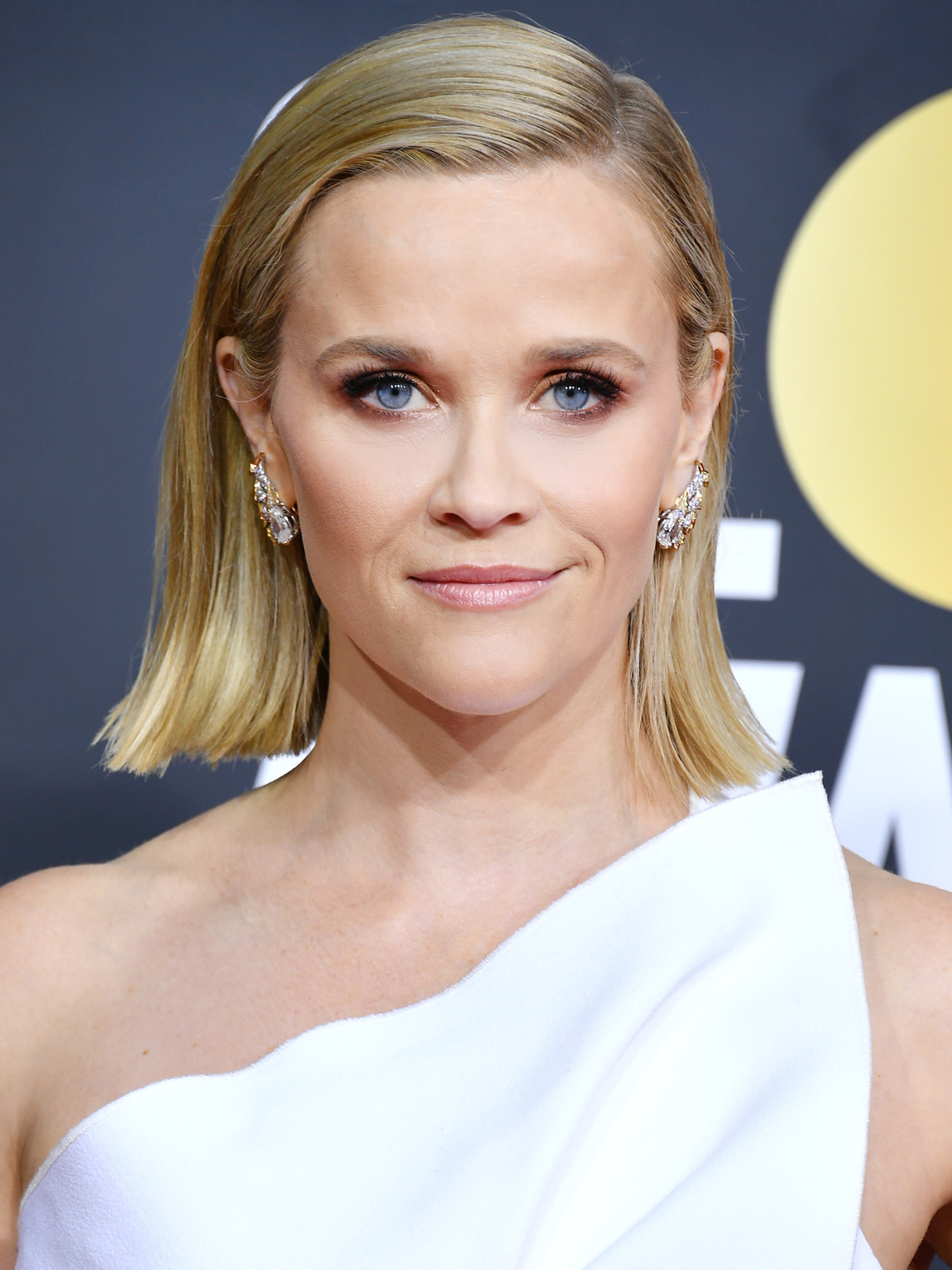 Reese Witherspoon beauty look Golden Globes 2020