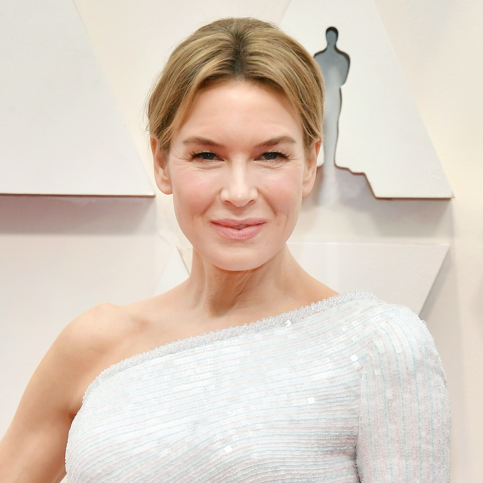 How to Recreate Renée Zellweger's Effortlessly Flawless Skin at the Oscars