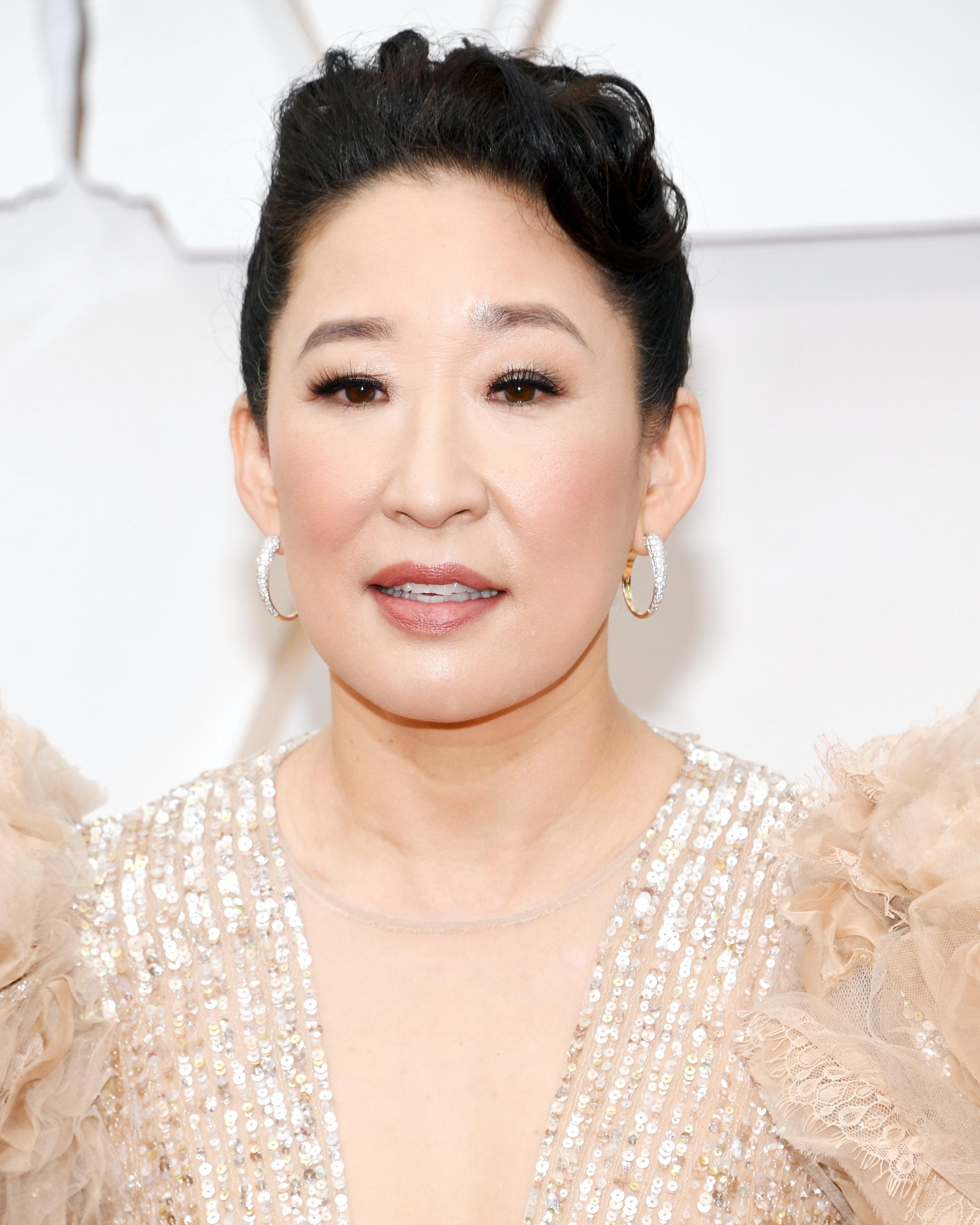Sandra Oh Best Looks over 45 Oscars 2020