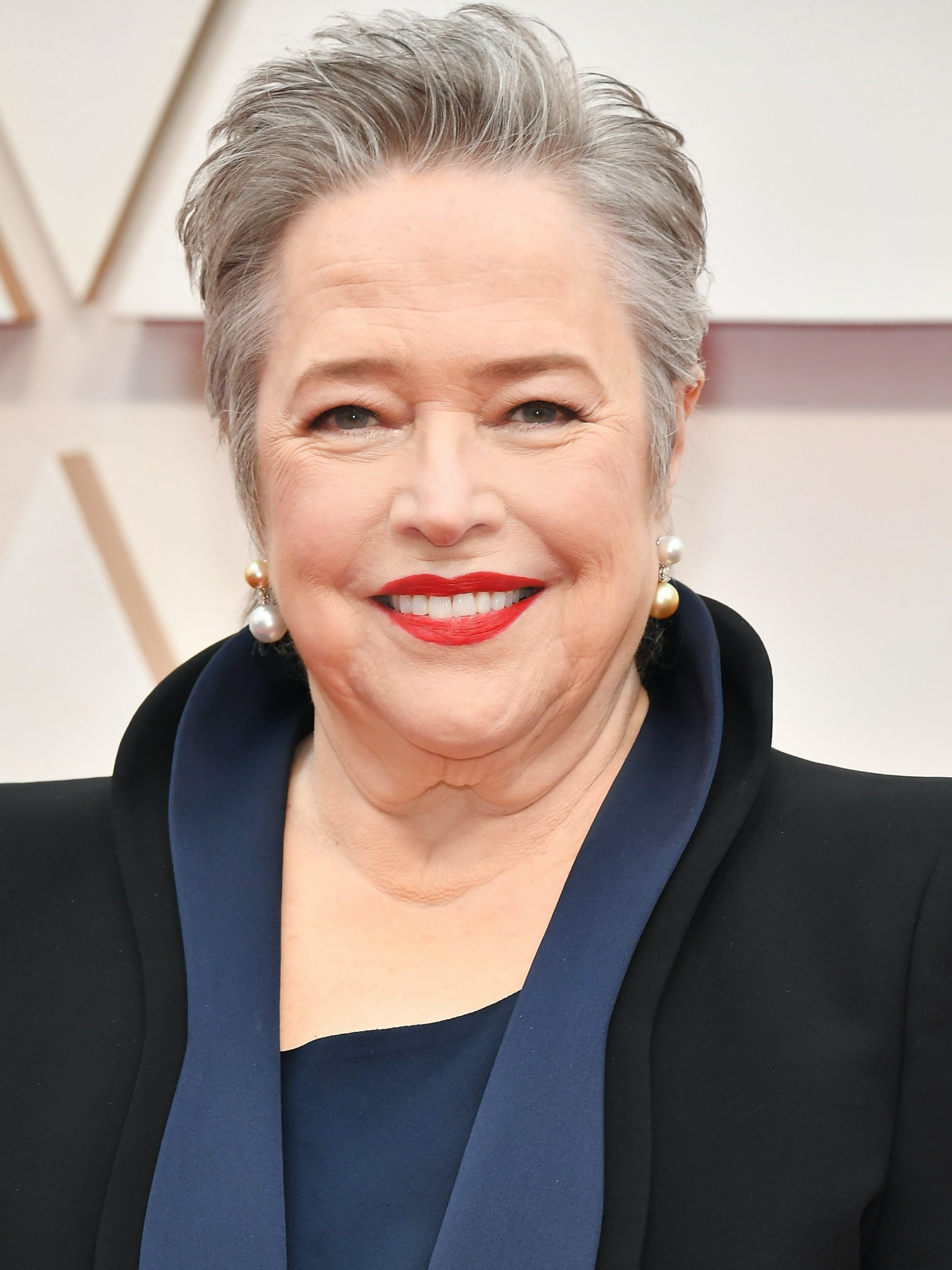 Best looks women over 45 Oscars 2020 - Kathy Bates