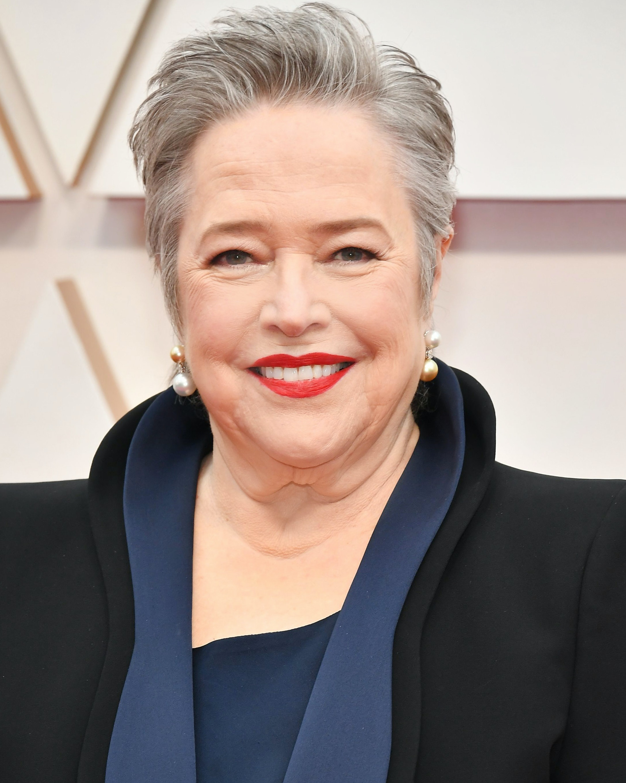 Best looks women over 45 Oscars 2020 - Kathy Bates
