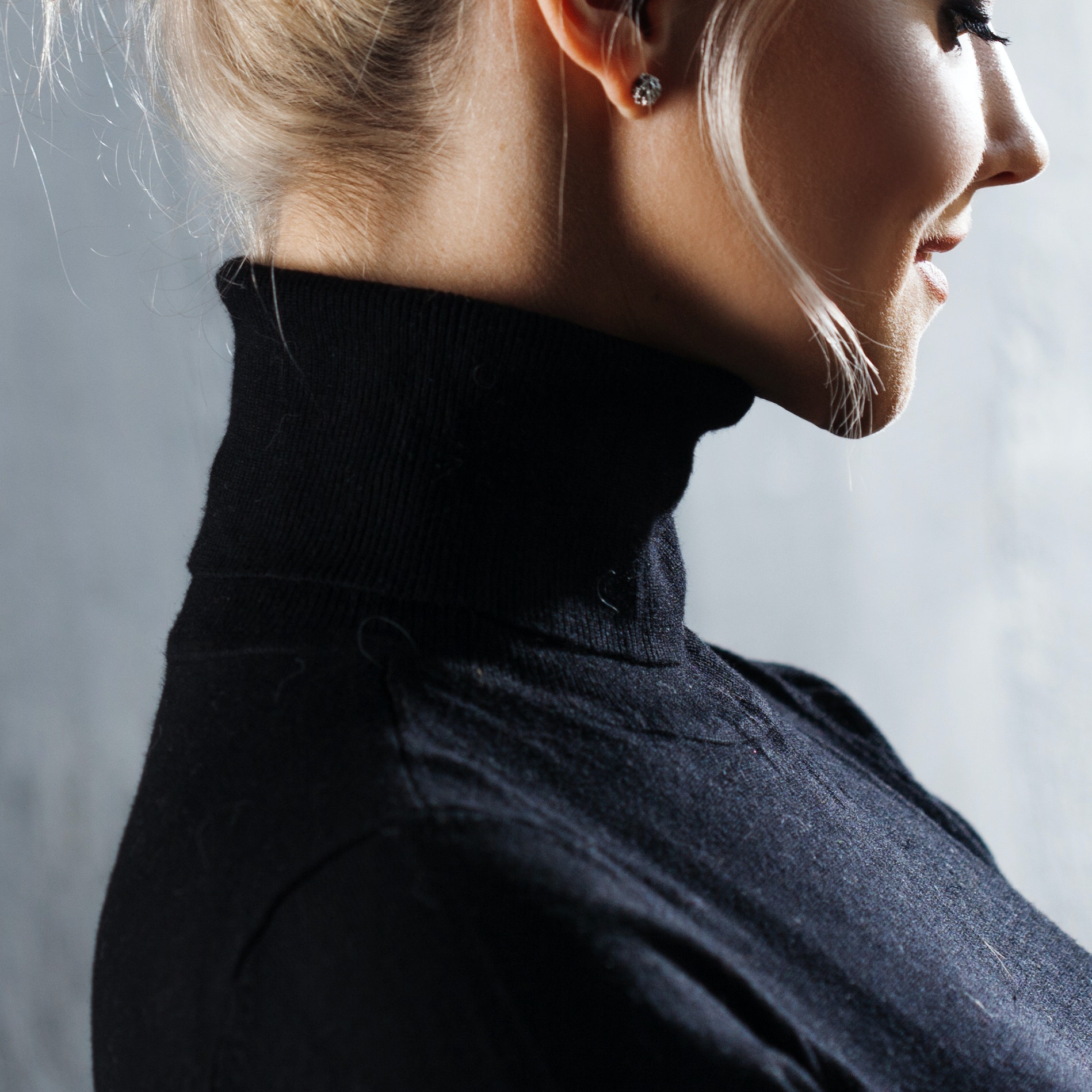 Why You Should Avoid Turtlenecks After a Fraxel Laser, and Other Skin-Healing Tips