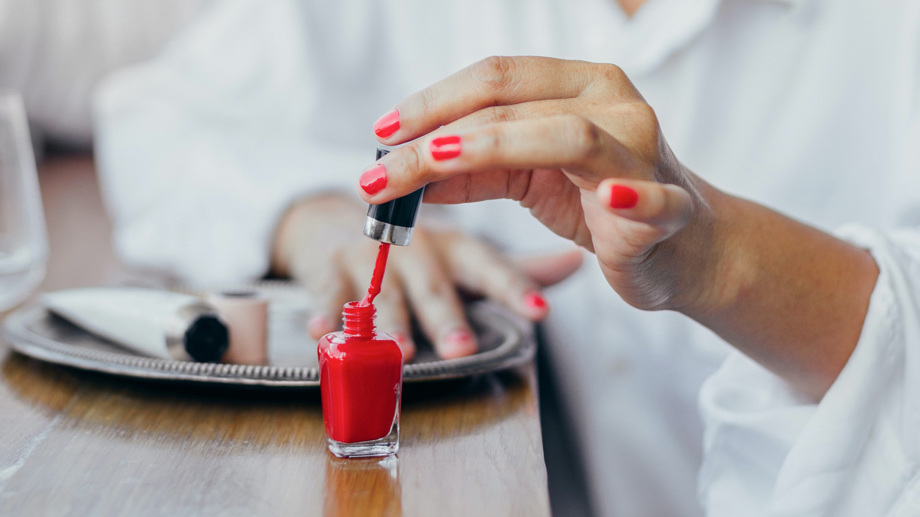 healthy nails and how to strengthen nails at home