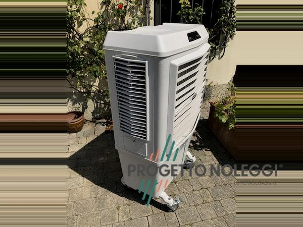 Dotato di Ionizzatore che migliora la qualità dell'aria, Master BC 80 purifica l'aria da polveri, oli, cattivi odori e particelle sospese nell'aria. Costruito con plastiche resistenti agli urti.