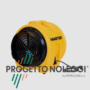 Master BL 8800 è un soffiatore professionale portatile utilizzato sovente in edilizia e nelle ristrutturazioni, oppure nei cantieri per l'aspirazione della polvere.