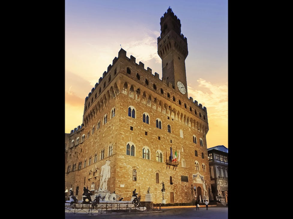 "Florence, ""Salone dei 500"" in Palazzo Vecchio, warmed by infrared heaters to host a banqueting event"