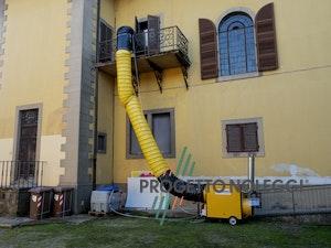 Il Generatori d' aria calda a Gasolio con bruciatore Riello separato. Il Generatore è canalizzabile per creare cicli chiusi di riscaldamento nella vostra struttura, migliorando notevolmente il rendimento del generatore ed i consumi di gasolio.
