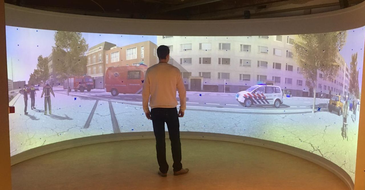 Virtual reality dome voor trainingssimulaties (XVR)