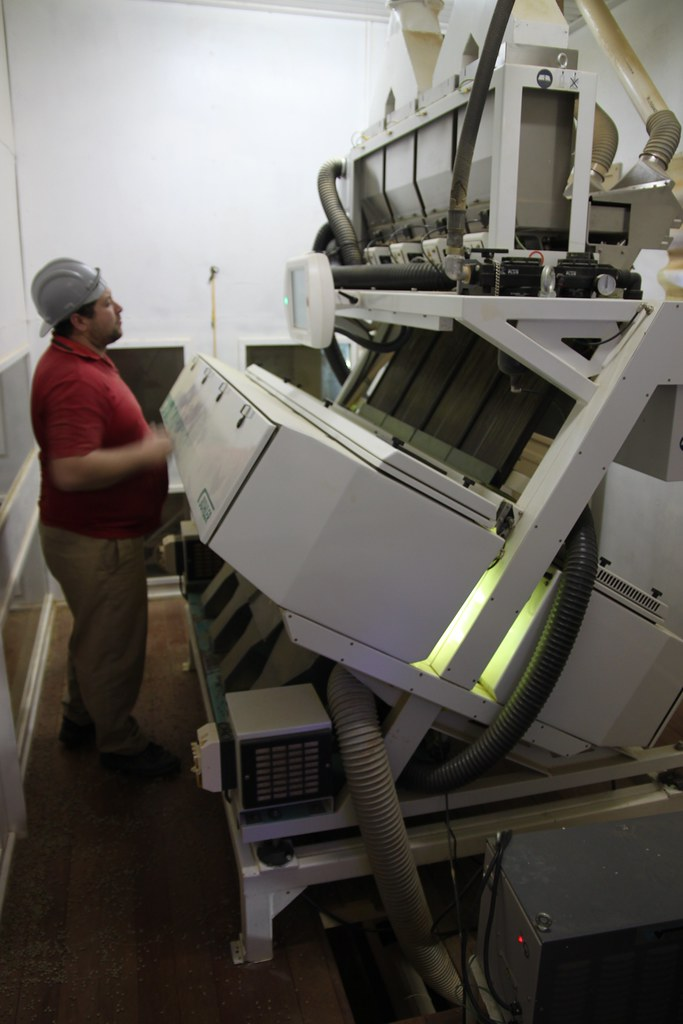 Sorting machine by Daterra: This is not your typical Sortex sorting machine, but a project Daterra helped invent. It uses ultraviolet light to catch unripe beans after the whole processing and drying. Very effective, but also very expensive machine.