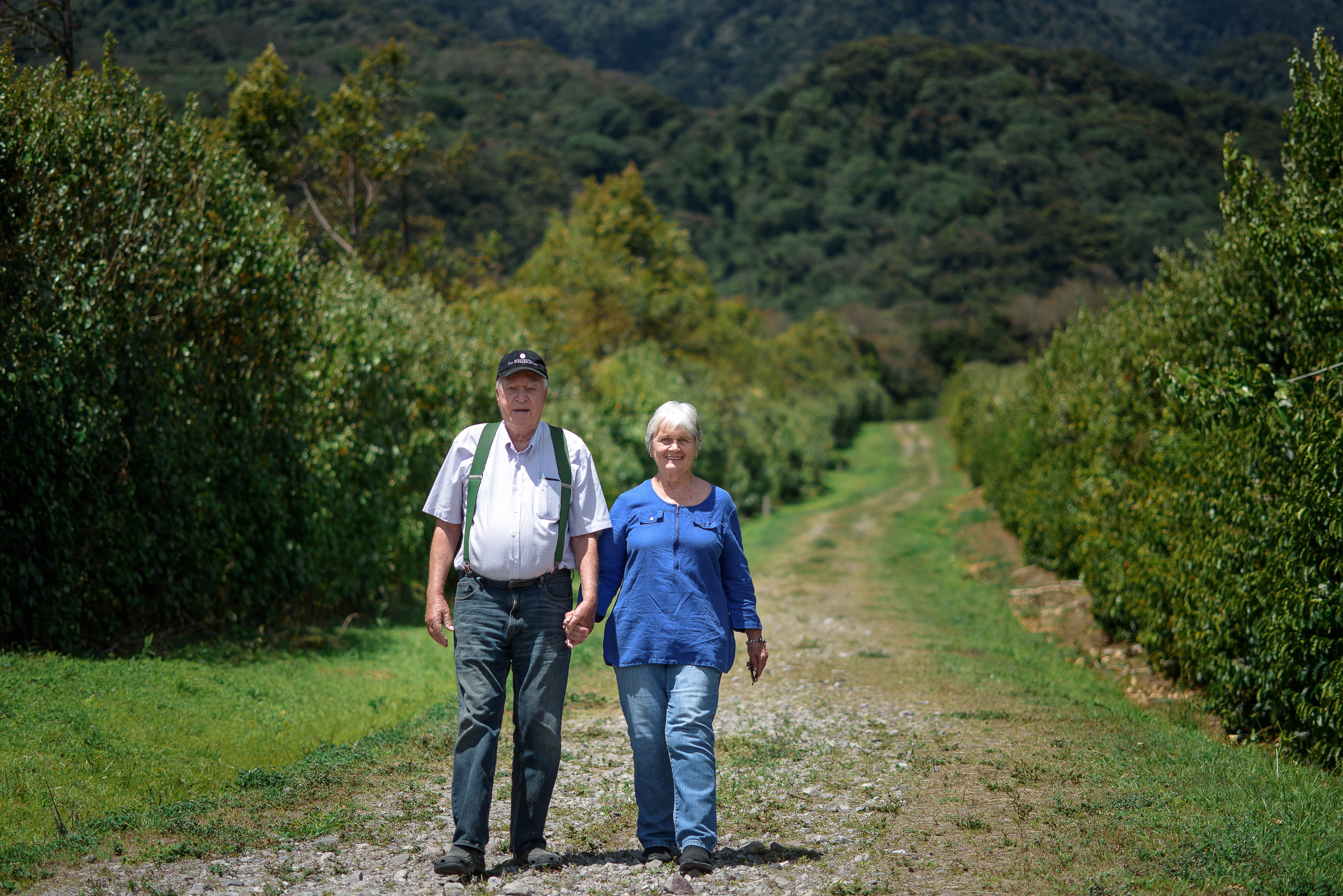 Price og Susan Peterson ejer Esmeralda farmen