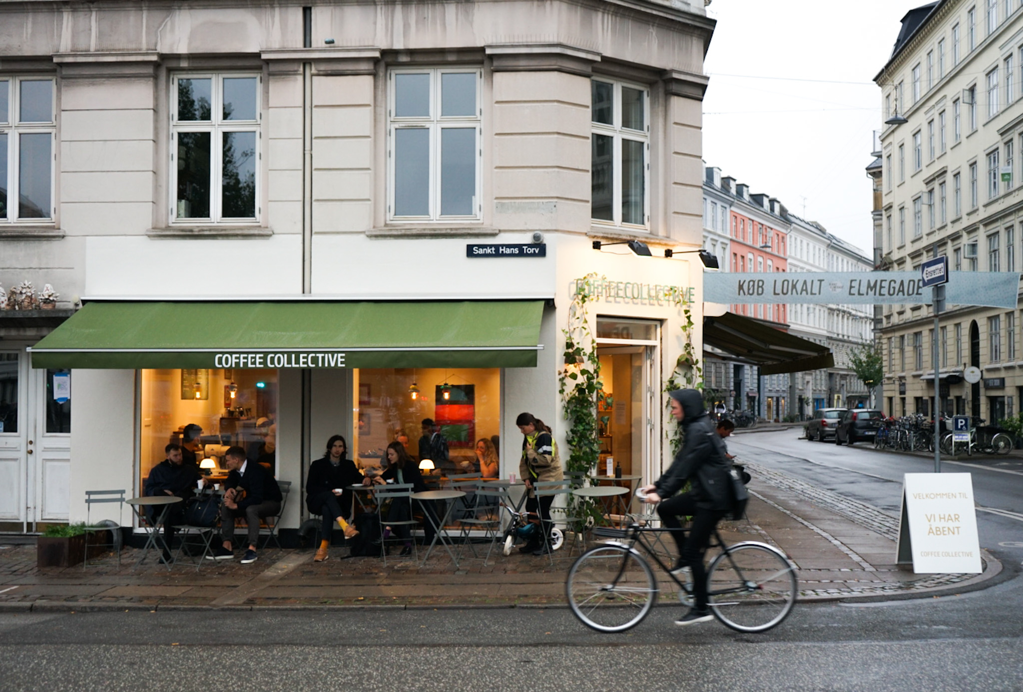 The corner of Sankt Hans Torv and Elmegade is in our view the perfect coffee spot