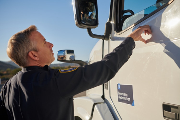 1525875761 20171005 verizon trucker ending shift 0053 1