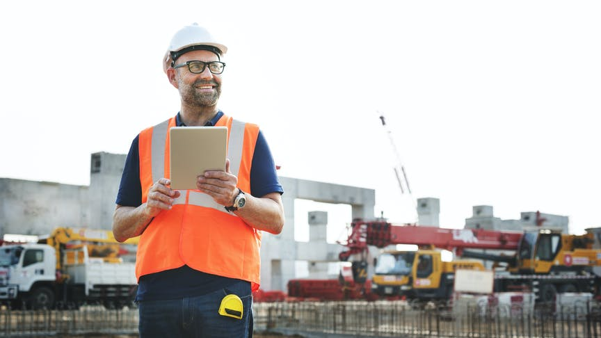 8 benefits of GPS fleet tracking in construction