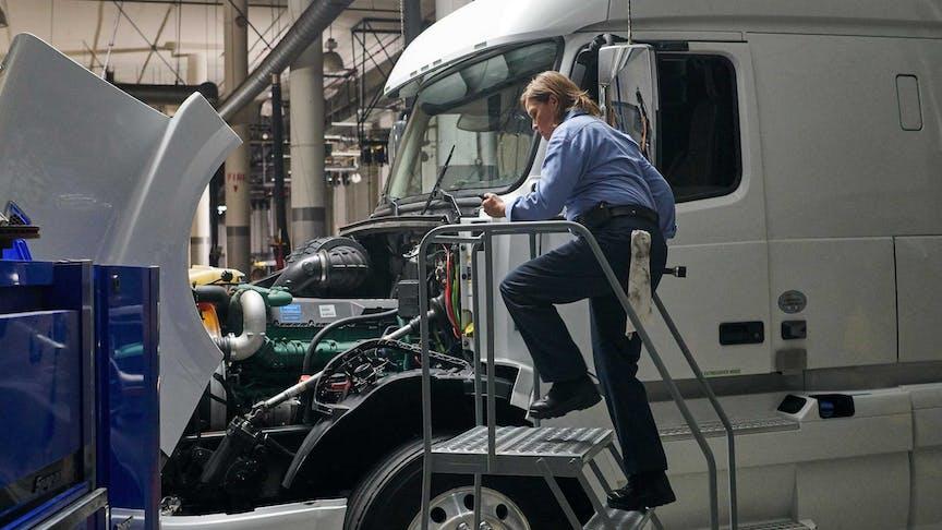 5 Benefits of Built-In Fleet Tracking Intelligence