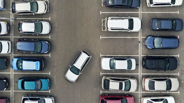 Reverse Parking Accident Statistics and Tips for Staying Safe in Parking Lots